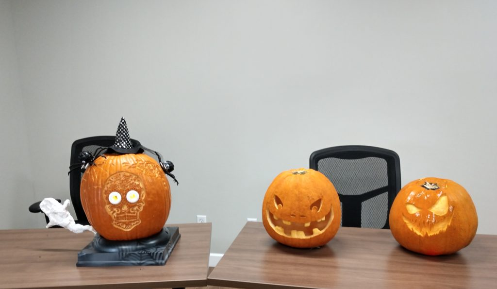 The winning pumpkin here uses injection molding products
